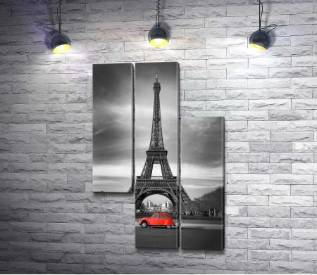 Красное авто на фоне Эйфелевой башни, Париж
