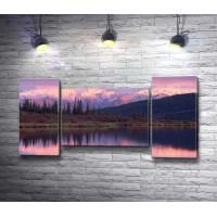 Сиреневый закат над озером
