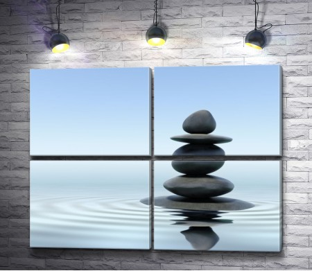 Пирамидка из камней на воде