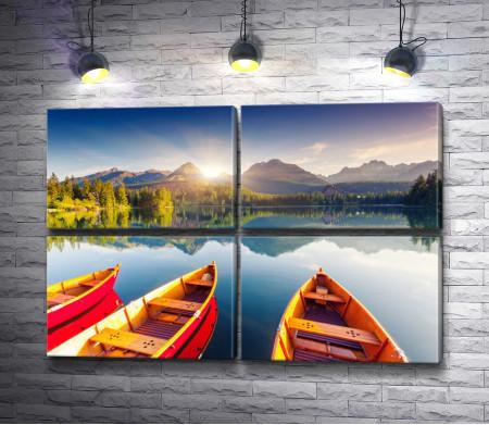 Лодки на зеркальном озере