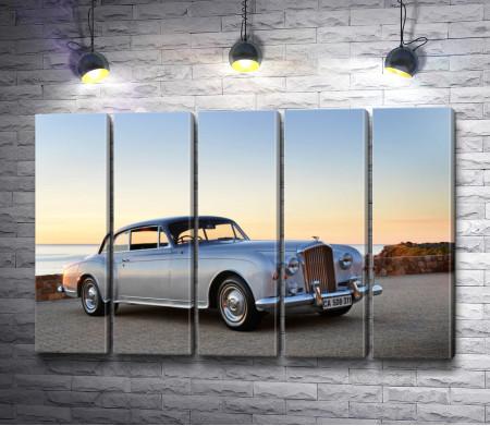 Классический автомобиль Бентли