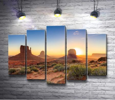 Сумерки в долине Монументов, Аризона, США