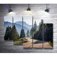 Проселочная дорога в горных Альпах