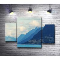 Горный пейзаж в голубых тонах