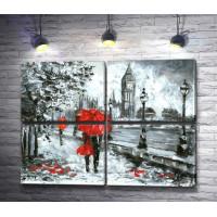 Пара под зонтом на улице Лондона в черно-белой гамме