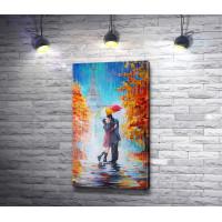 Пара целуется под зонтиком на фоне Эйфелевой башни, Париж