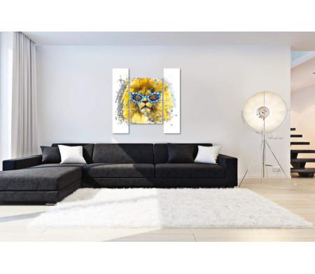 Лев с огромной гривой в очках