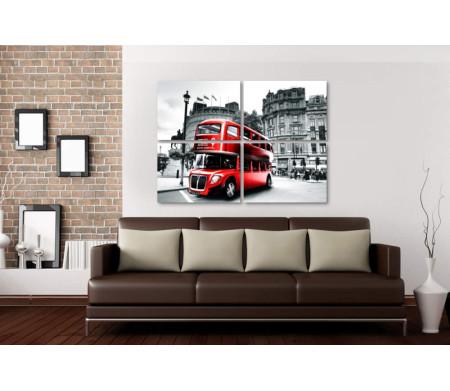 Красный автобус в черно-белом Лондоне