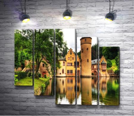 Вид на Замок Меспельбрунн, Германия