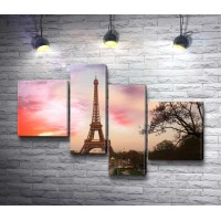 Эйфелевая башня в лучах заката, Париж
