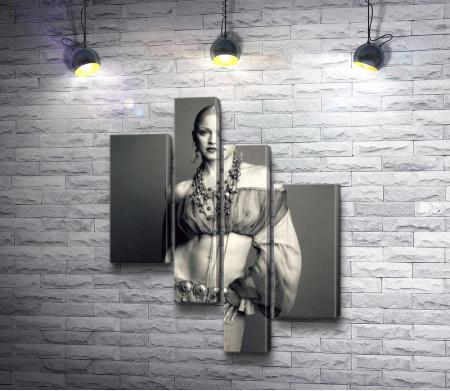 Фото молодой Мадонны,  черно-белое фото