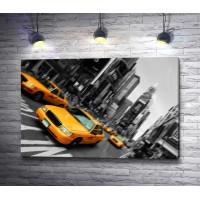 Желтые машины в черно-белом Нью-Йорке