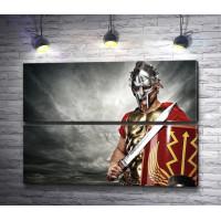 Парень в костюме  римского легионера