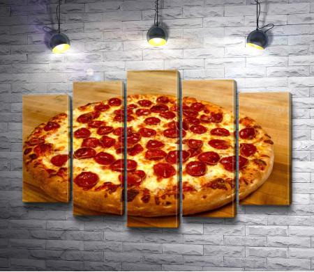 Ароматная пицца с салями