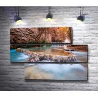 Каскадный водопад в Гранд-Каньоне, США