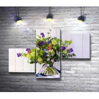 Летний букет цветов с лентой