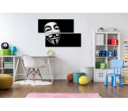 Маска Анонимуса в темноте