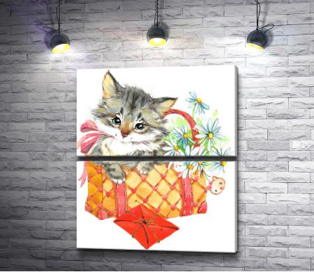 Котенок в сумочке с цветами