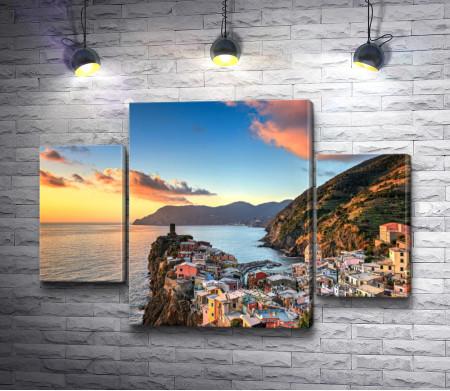 Красочная Сицилия на прибрежной скале