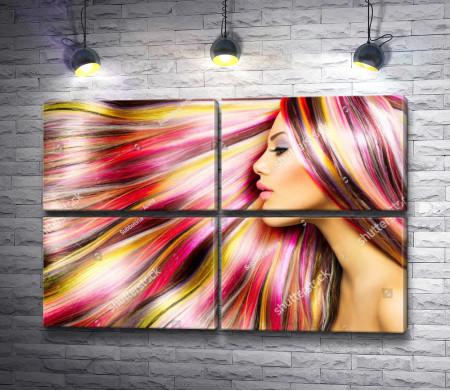 Девушка с радужными волосами