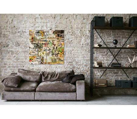 Стена со старыми постерами. Винтажное фото