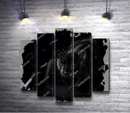 Черная пантера перед прыжком