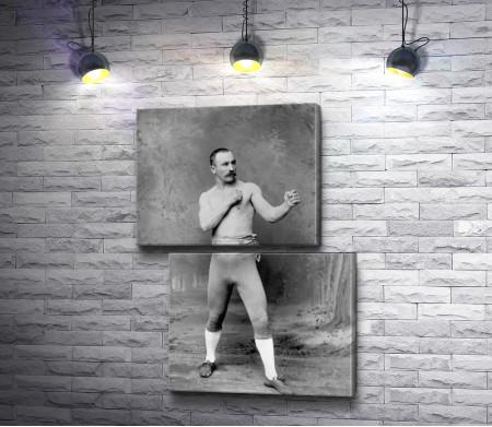 Мужчина боксер в стойке, черно--белое фото