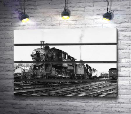 Старинный паровоз, черно-белое фото