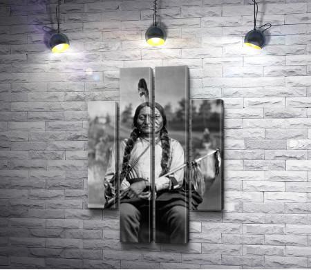 Черно-белое фото индейца