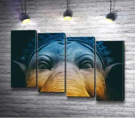 Буддийская статуя слона