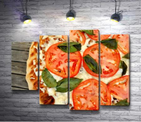 Итальянская пицца с помидорами