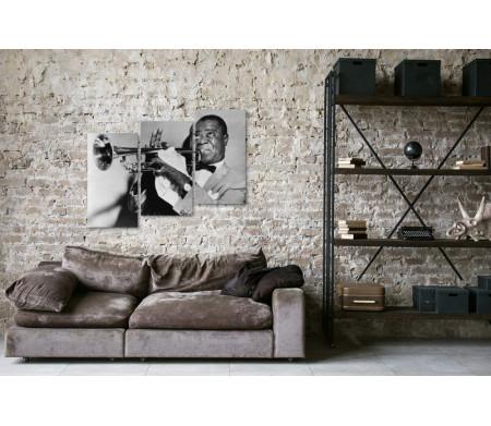 Черно-белый снимок Луи Армстронга с трубой