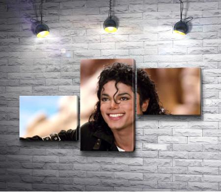 Улыбающийся Майкл Джексон