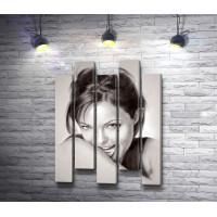Анджелина Джоли на черном-белом фото