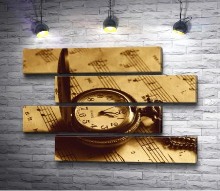 Часы и ноты. Винтажное фото