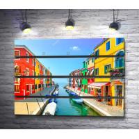 Яркий канал на острове Бурано, Венеция