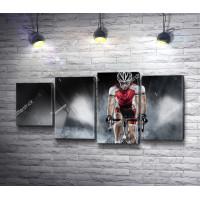 Велосипедист во время гонки