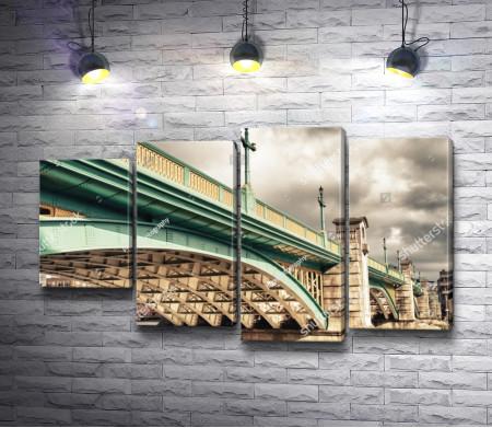 Мост Southwark через реку Темзу, Лондон, Великобритания