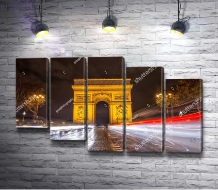 Монумент Триумфальная арка в Париже