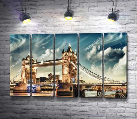 Тауэрский мост с вечерней подсветкой, Лондон