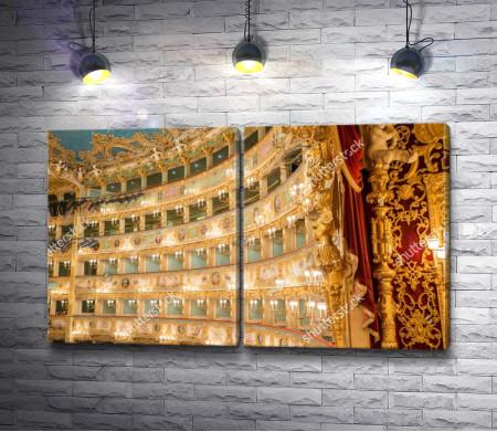Интерьер оперного театра Ла Фениче в Венеции