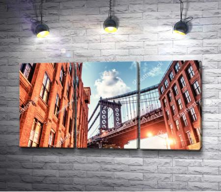 Бруклинский мост в солнечных лучах, Нью-Йорк