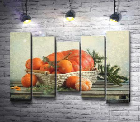 Рождественский натюрморт с тыквой и мандаринами