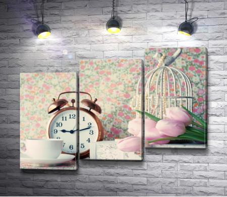 Утренний натюрморт с розовыми тюльпанами