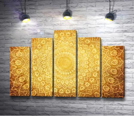 Золотой орнамент