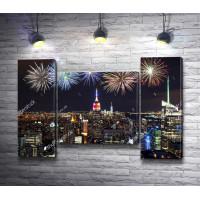 Праздничный фейерверк над Нью Йорком