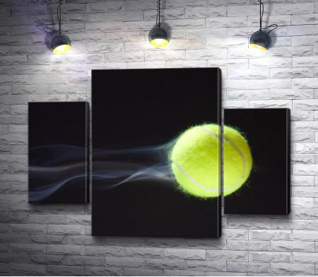 Теннисный мяч в полете