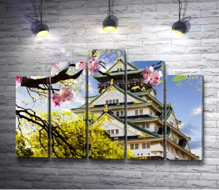 Самурайский замок в Осаке, Япония
