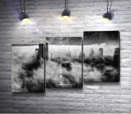 Город Гастаун (Канада) в солнечной дымке, черно-белое фото