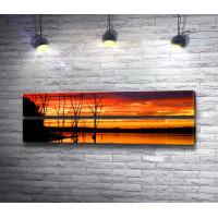 Огненная панорама над озером
